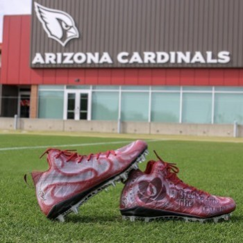 DE Markus Golden's cleats (artwork by @brittishkustoms)